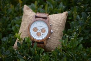 armbanduhren holz holzkern waldrand